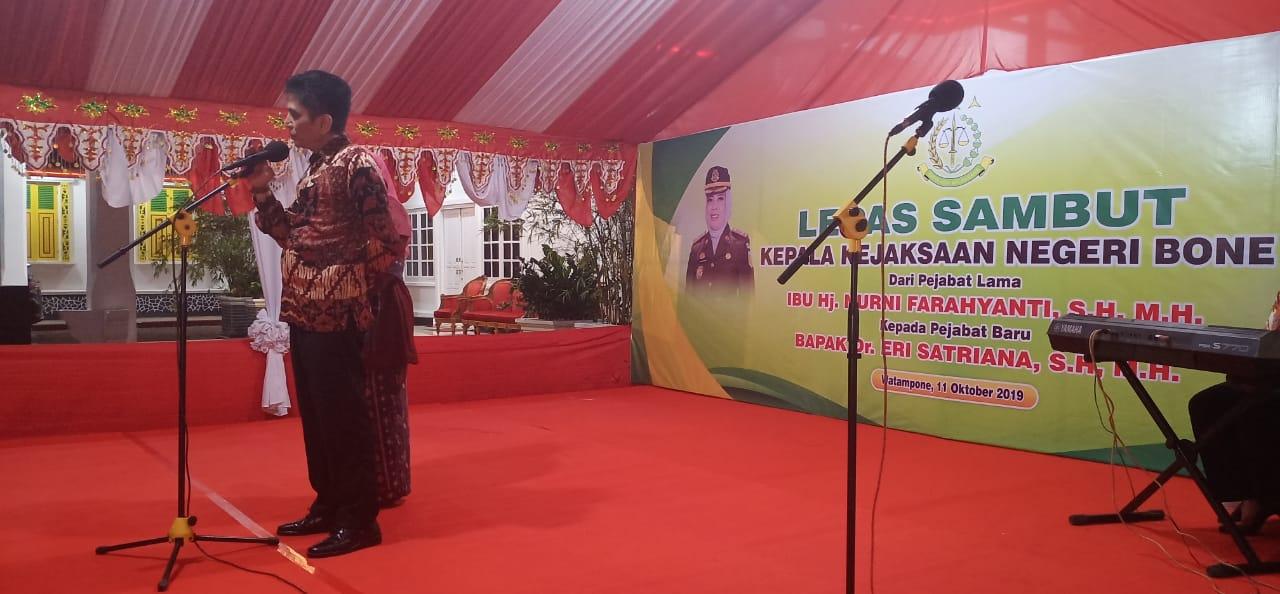 Lepas sambut Kepala Kejaksaan Negeri Bone HJ.Nurni Farahyanti, SH. MH - Dr. Eri Satriana,S.H M.H