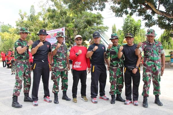 Momentum HUT Brimob ke 74, Batalyon C Pelopor Gelar Baksos di Lingkungan Masjid Almarkaz Bone