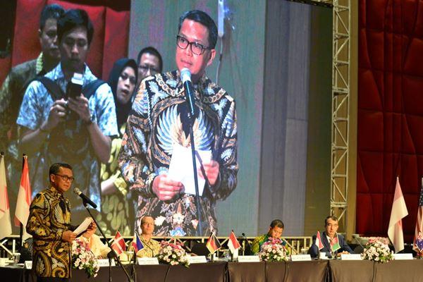 Mudrikan Humas Pemprov: Di Forum Internasional, NA Sebut Lingkungan Fisik Pengaruhi Perilaku Bersih Masyarakat