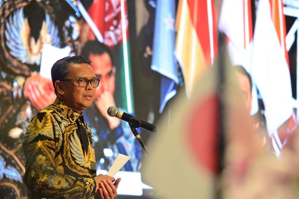 Gubernur Sulsel Membuka International Investment Forum on Waste Management 2019