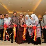 Gubernur Sulsel Resmikan Gerai Silk of Sengkang dan Danau Tempe Street Food Festival