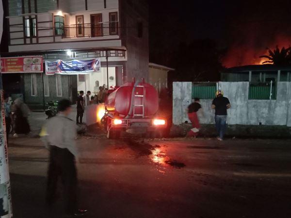 Diduga Korsleting Arus Pendek, Rumah Nelayan di Bone Terbakar