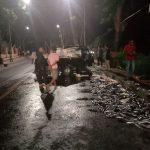 Sopir Diduga Ngantuk, Mobil Angkutan Ikan Nabrak Pohon di Bantaeng