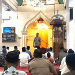 Silaturahmi dengan Jamaah, Kapolres Pelabuhan Makassar Mengajak Warga Makmurkan Masjid