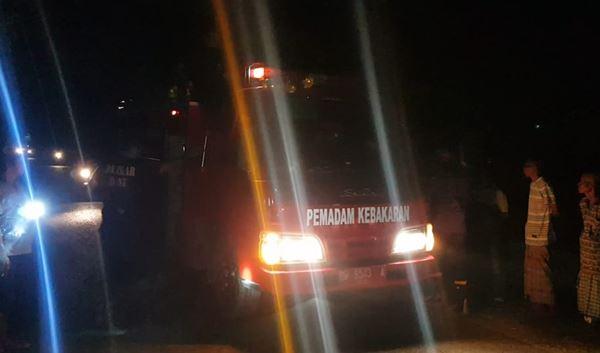 Kebakaran Travo PLN Kagetkan Warga Kelurahan Wetuo Bone