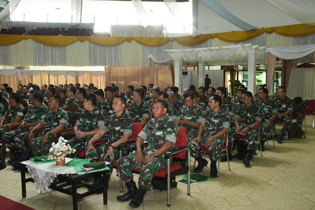 Dewa Asmara membuka Rakornis Progja Inteljen Pengamanan Kodam XIV Hsn TA 2019