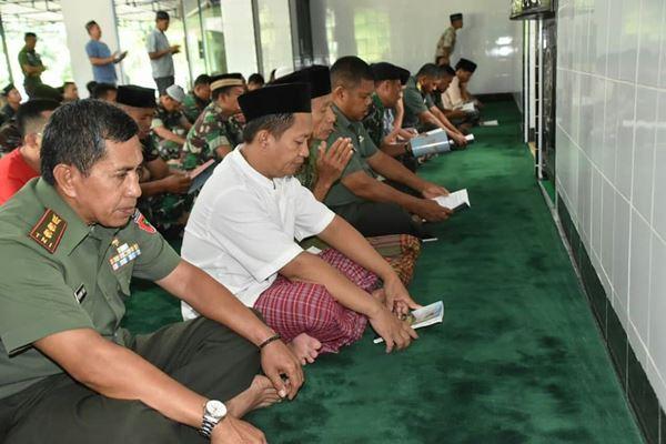 Sambut Tahun Baru 2020 Personel Korem 141 TP Menggelar Istiqhosah dan Do'a bersama