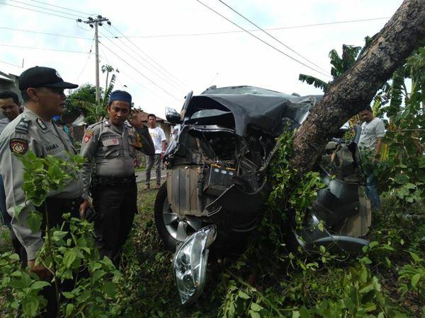 Kecelakaan di Tikungan Bance,e, Tewaskan Pengemudi dan 5 Penumpang di rujuk ke Rumah Sakit