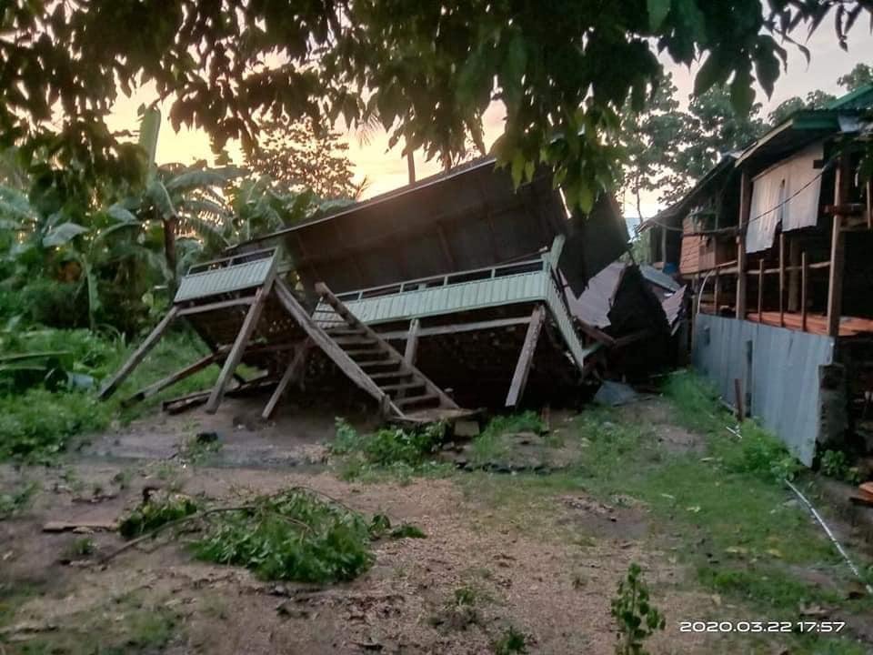 Foto: Hujan Lebat dan angin kencang porak-porandakan Belasan rumah di Bone