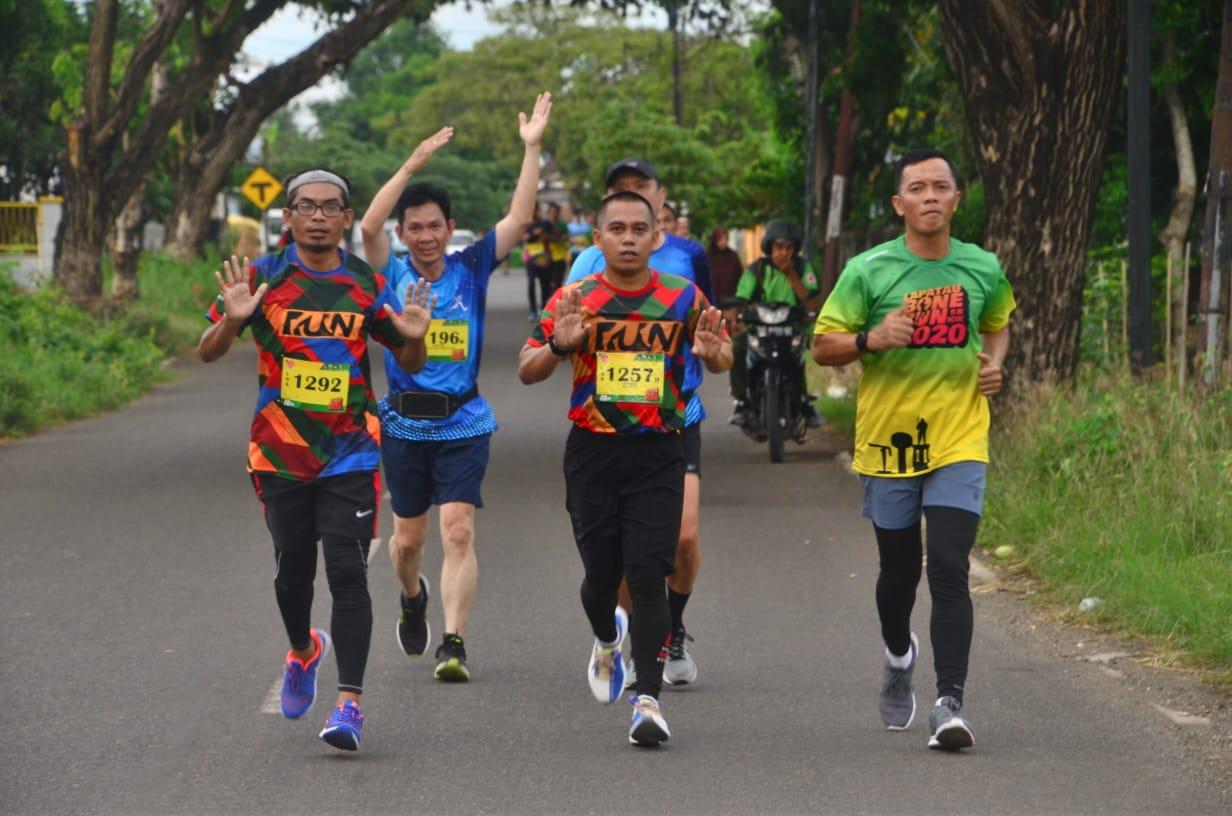 Bersama Kasrem, Bupati Lepas Fun Run Dalam Rangka Menyambut Hari Jadi Bone Ke 690