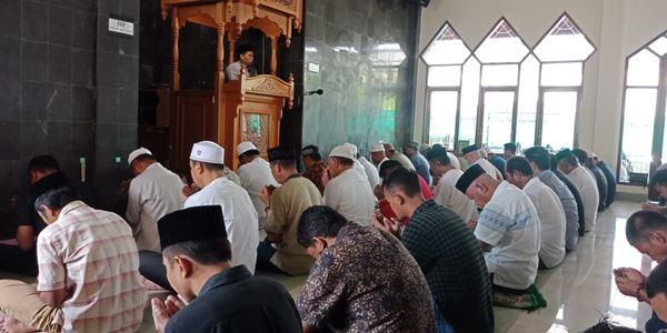 Berharap terhindar dari Coronavirus, Sejumlah masjid di Bone menggelar Do'a bersama saat shalat Jumat