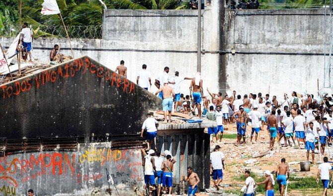Ratusan narapidana kabur dari penjara jelang penguncian virus corona