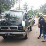 Karang Taruna Desa Barana bekerjasama dengan, Energi muda, Tim Puskesmas Barana dan Sekcam Bangkala barat turun langsung membagikan masker sekaligus memberikan