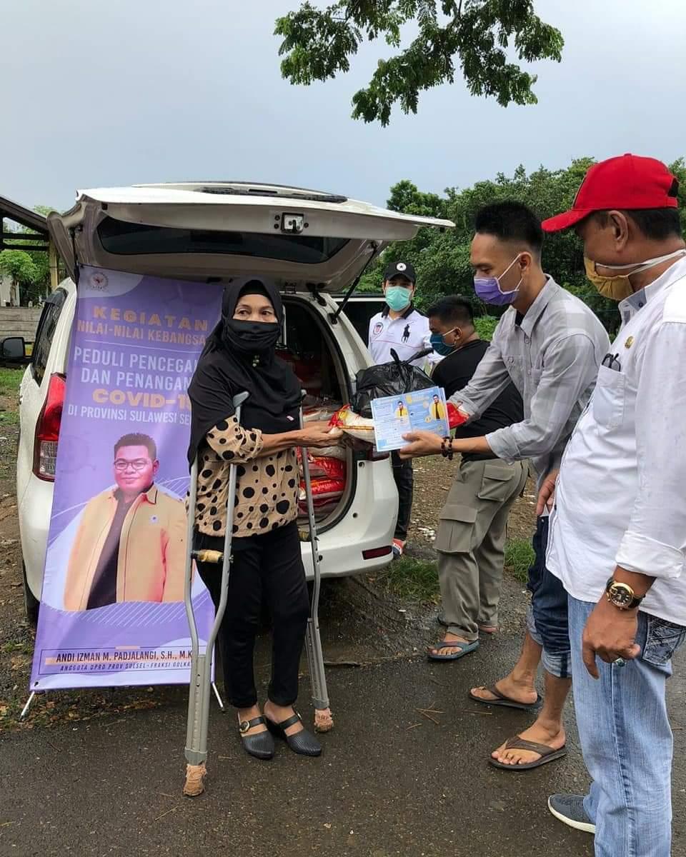 Anggota DPRD Provinsi Andi Isman Salurkan ke paket sembako kepada Penyandang Disabiltas di Bone