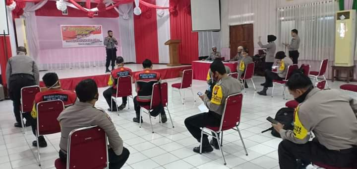 Tingkatkan SDM Bhabinkamtibmas, Sat Binmas Polres Bone Menggelar Lomba Bhabinkamtibmas