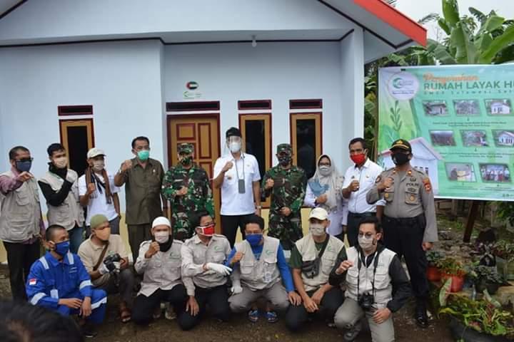 Bersama Danrem 141, Bupati Sinjai Serahkan 4 Unit Rumah Layak Huni dari Yayasan Muslim Asia AMCF