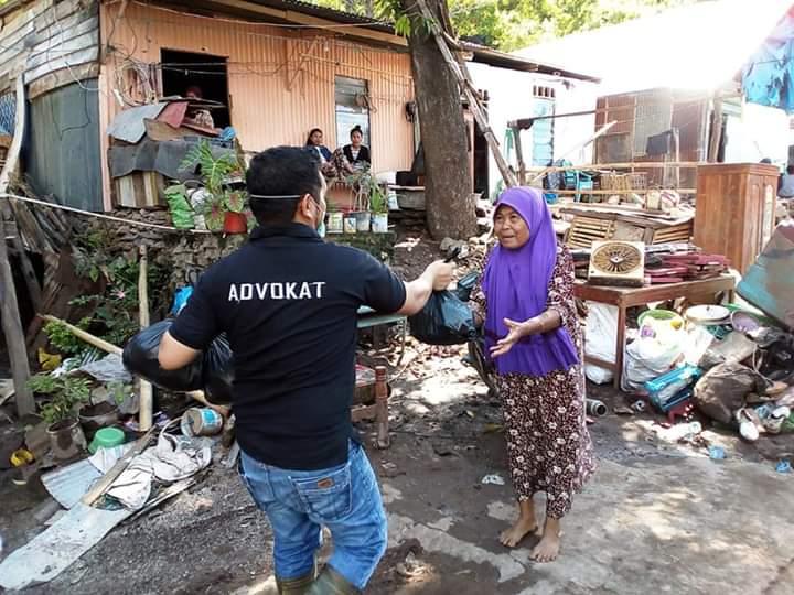 LBH Butta Toa Bantaeng Berbagi ke Warga Terdampak Banjir