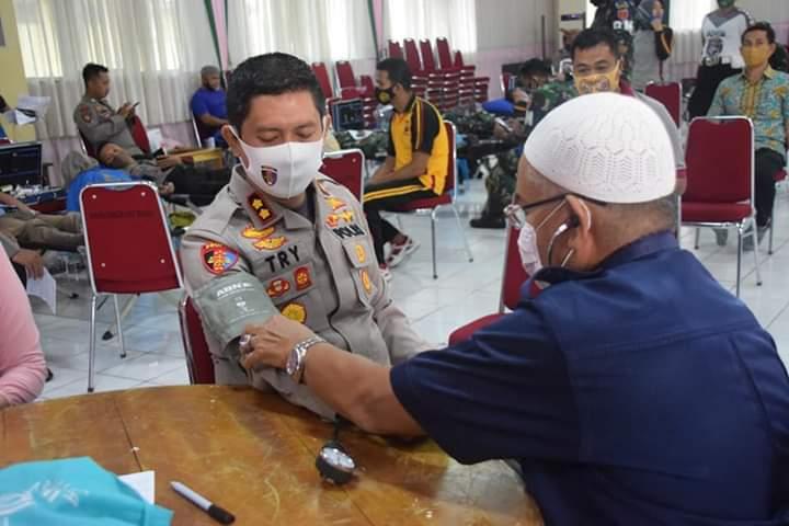 Peringati HUT Bhayangkara Ke 74, Polres Bone Menggelar Aksi Kemanusian Donor Darah