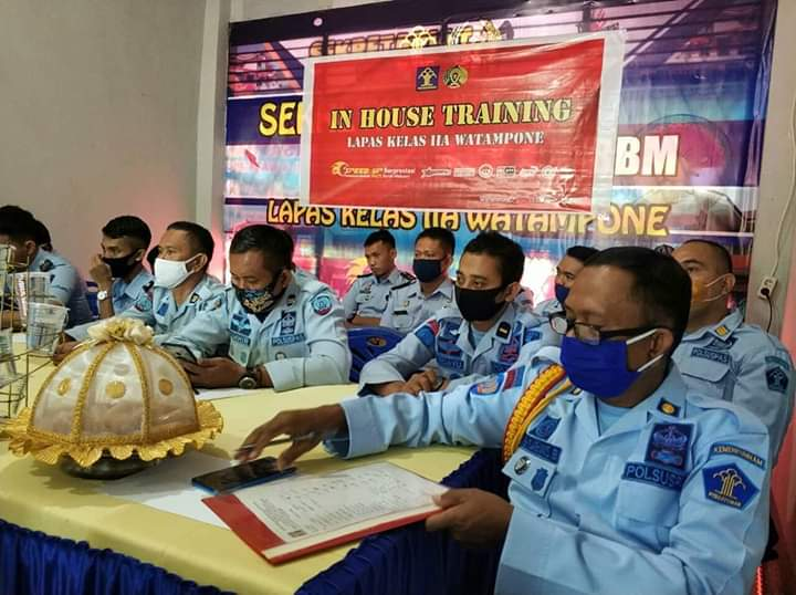 Tingkatkan Kompetensi SDM, Lapas Kelas IIA Watampone Menggelar In House Training