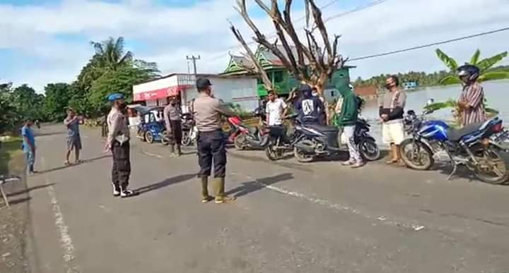 Lakukan Patroli, Kapolsek Ajangale Sosialisasikan Protokol Kesehatan Pencegahan Covid-19