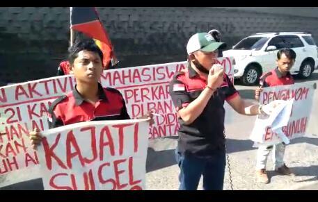 Oknum Polisi Diduga Terlibat Pembunuhan di Bantaeng, GAM Lakukan Aksi di Kejati Sulsel