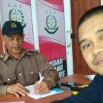 Ketua LSM Lakonras HAM Mukhawas Rasid 39 Tahun saat di temui di warkop 23 jalan MH Thamrin Kelurahan Watampone Kecamatan Tanete Riattang Kabupaten Bone