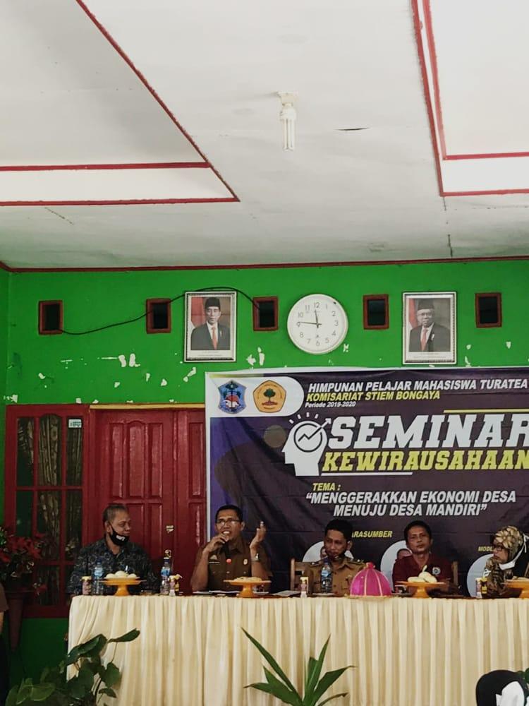 Tanamkan motivasi kepada pelaku UMKM, HPMT KOM Stiem Bongaya Selenggarakan Seminar Kewirausahaan di Desa Jomne