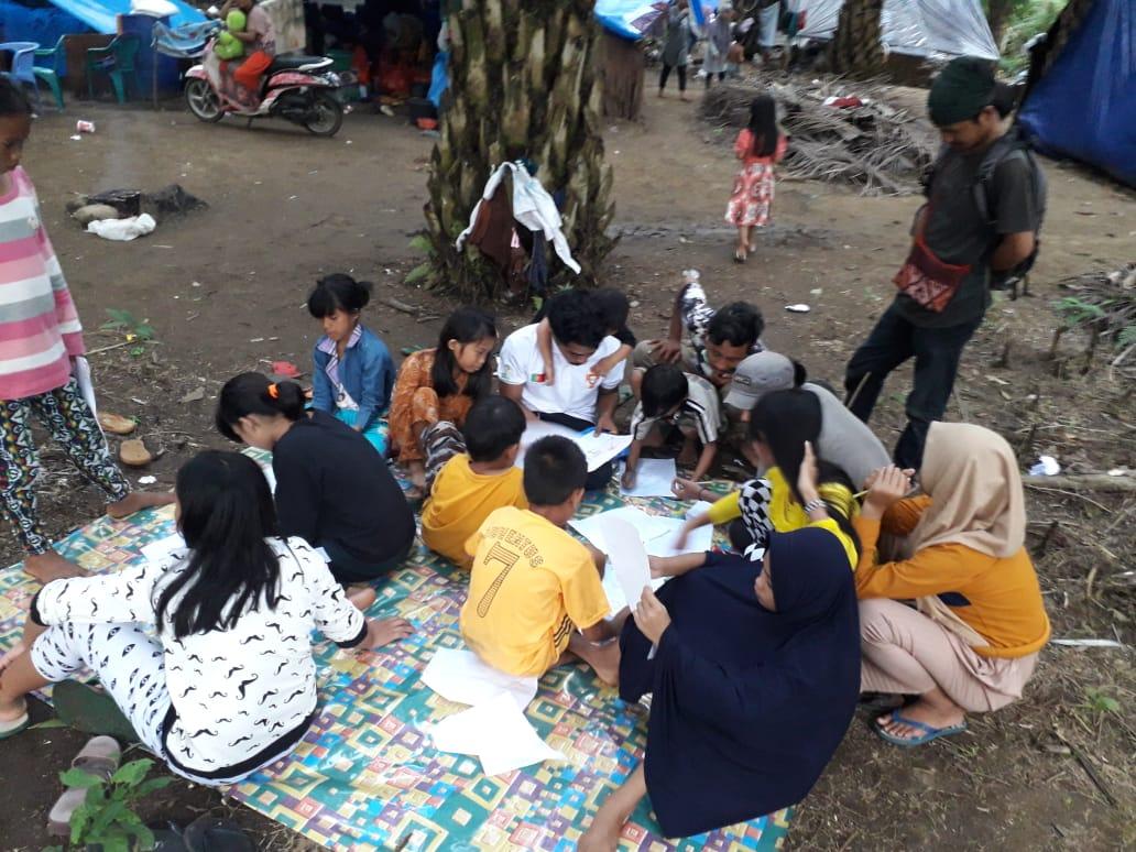 Relawan Solidaritas Indonesia Bangkit Sul-Sel Lakukan Trauma Healing di LUTRA