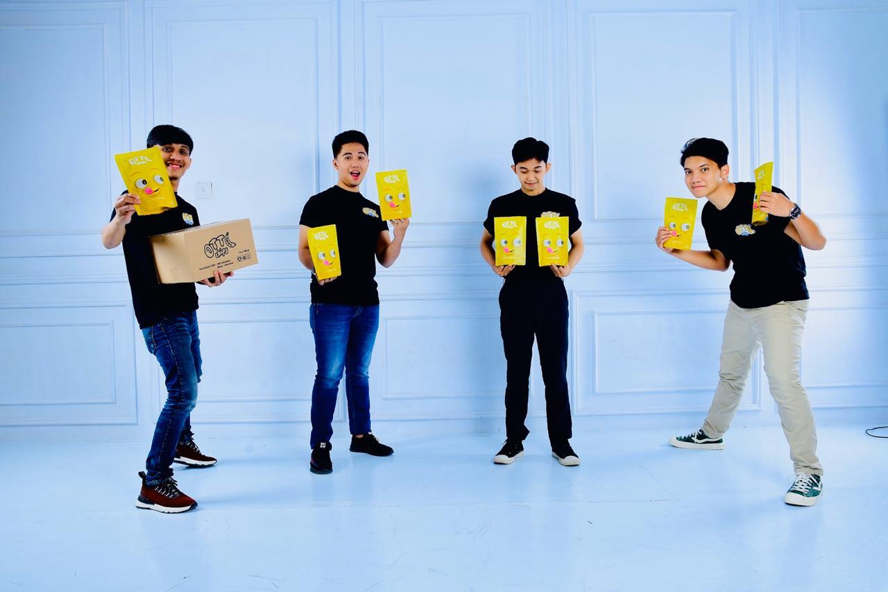 Libur Corona, Pemuda Milenial di Bone Manfaatkan dengan mendirikan home industry Otty chips