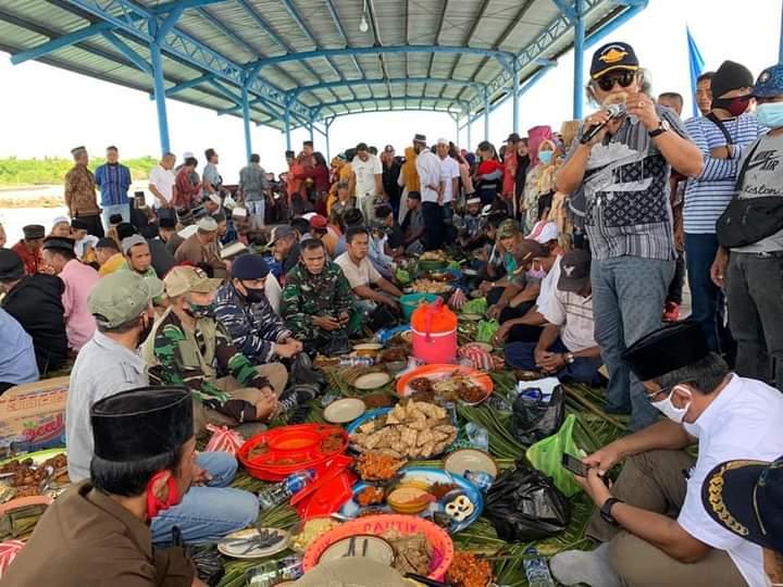 Bupati Tolitoli Membaur di Pesta Nelayan Desa Ogotua