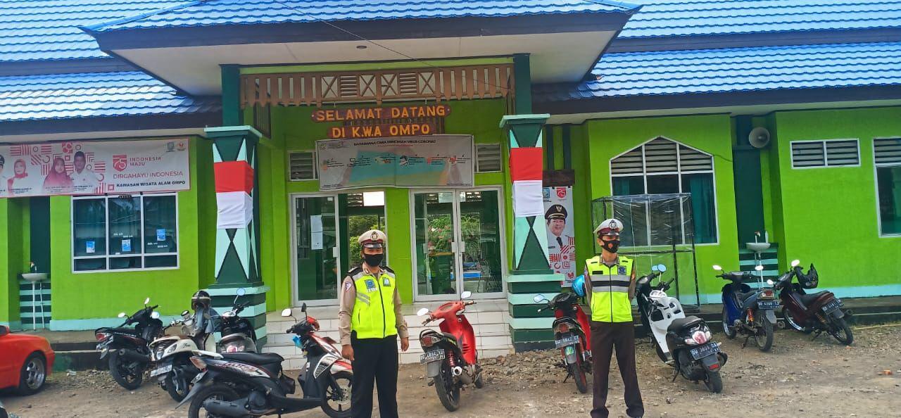 Satlantas Polres Soppeng Lakukan Pengamanan dan pengaturan lalu lintas di sejumlah Lokasi Wisata