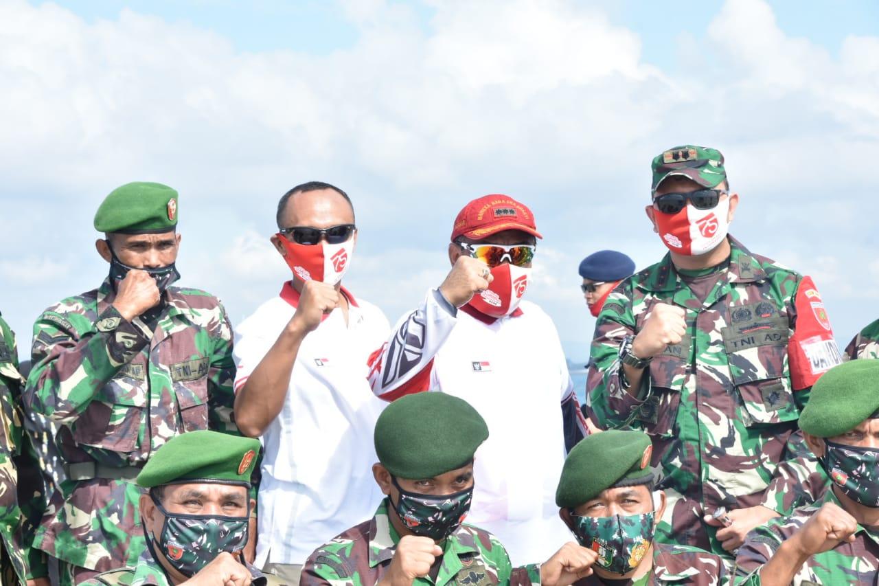 Kasiren Korem 141 Tp Wakili Korem Saat Pembentangan Bendera Merah Putih di Pulau Tangkulara