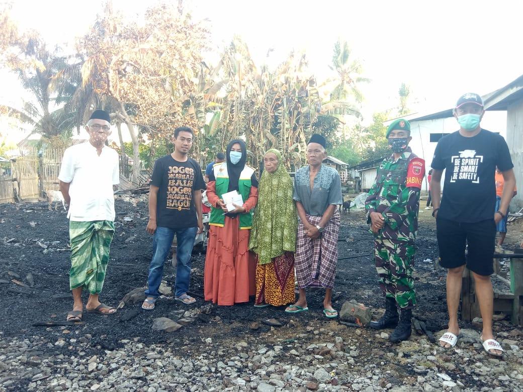 Kunjungi korban kebakaran, Baznas Bone Mengajak Para Dermawan Untuk Menyisihkan Sebagian Rejeki