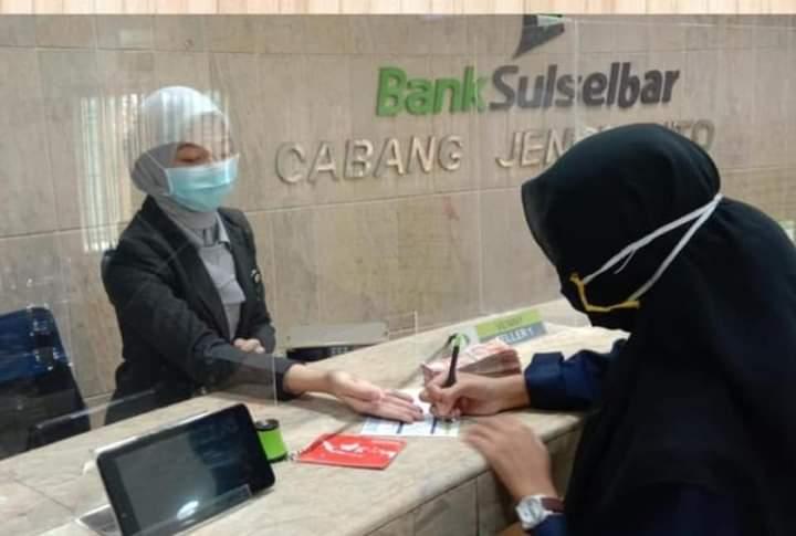Hasanuddin Tepis Issu layanan Bank Sulselbar Cabang Jeneponto lamban
