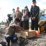 Bupati Soppeng Letakkan Batu pertama pembangunan TK/SD IT Arraihan Wahda Islamiyah Soppeng