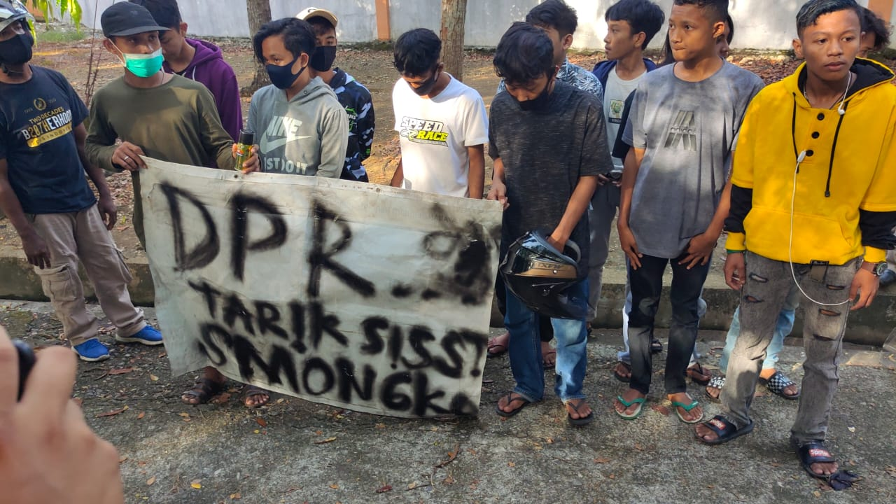 Hendak Ikut Aksi Penolakan UU Cipta Kerja, Puluhan Pelajar dibawah Umur diamankan Polres Bone
