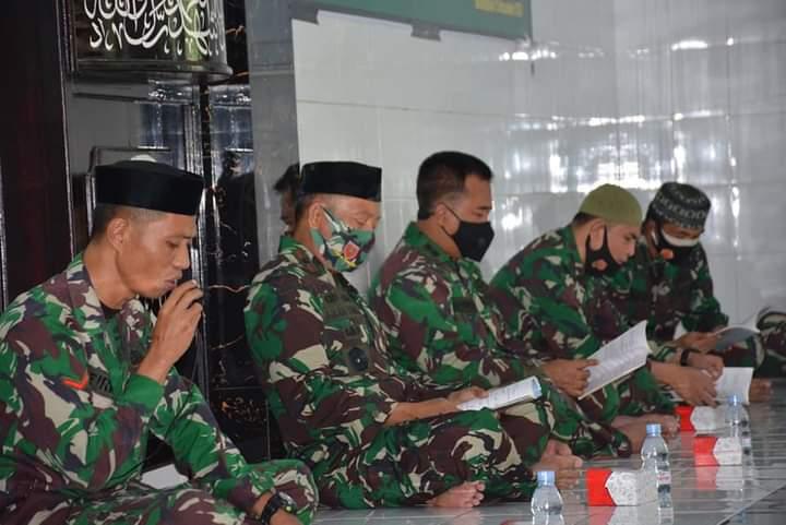 Personel Korem 141 Lakukan Do'a Bersama Dalam Rangka Hari Juang TNI 2020