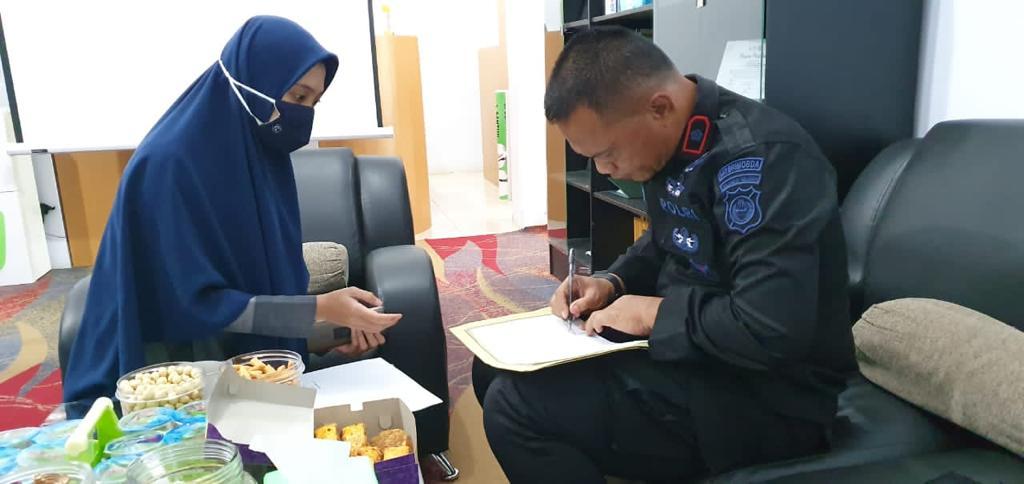 Batalyon C Pelopor Serahkan ZAKAT Profeso ke BAZNAS Bone