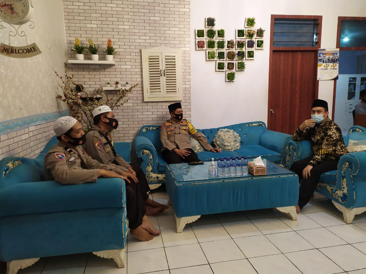 Kapolres Bone Jalin Silaturahmi Dengan HIPMI dan IDMI