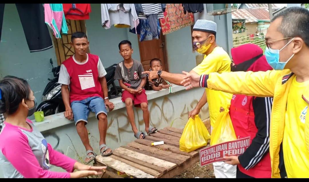 Bersama KIR BDDB, ARIF Supporting Kembali Bagikan Sembako Kepada Sejumlah Warga Kurang Mampu di Bone