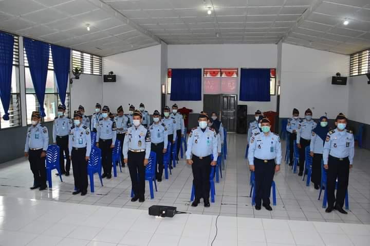 Kalapas Kelas IIA Watampone dan Pejabat Struktural Ikuti Apel Akhir Tahun 2020 Bersama Menteri Hukum dan HAM