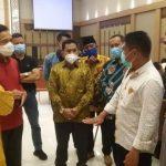 Kunjungan Kerja, Gubernur Sulsel Silaturahmi dengan Warga Kabupaten Bone