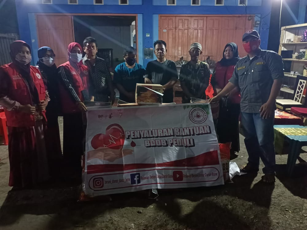 Relawan BDDB Serahkan Bantuan Kepada Kaum Duafa dan Korban Kebakaran