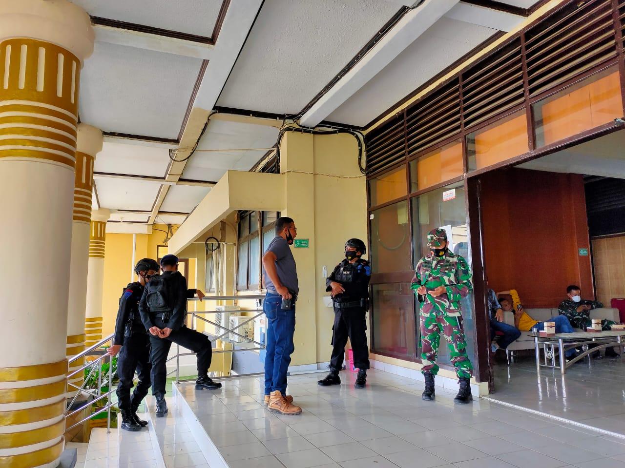 1 Regu Personel Batalyon C Pelopor Amankan Pelantikan Bupati Soppeng