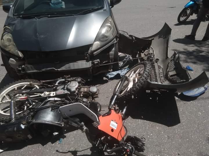 HONDA JAZZ Seruduk Sepeda Motor di Perempatan Puskesmas Lasusua Kolaka Utara