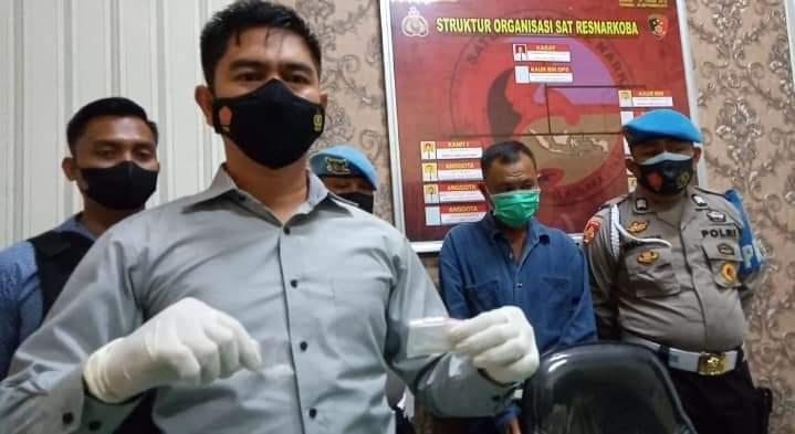 Satresnarkoba Kolaka Utara Ringkus Pengedar Narkoba Bersama Barang Bukti sebanyak 18,55 gram