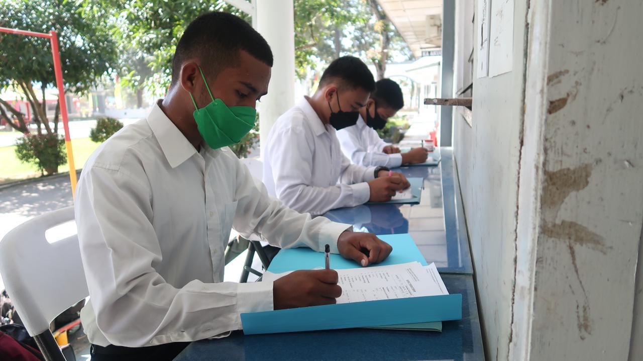 Sejumlah Casis Bintara PK Pria dan Tamtama Gelombang II 2021 Ikuti Validasi di Mako Lanal Kendari